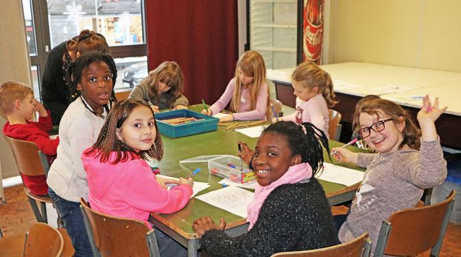 Viel Spaß beim Bastelnachmittag des Kinderclubs in der OT Grevenbrück.